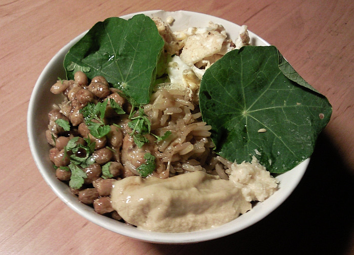 Natto s rýží a vejcem